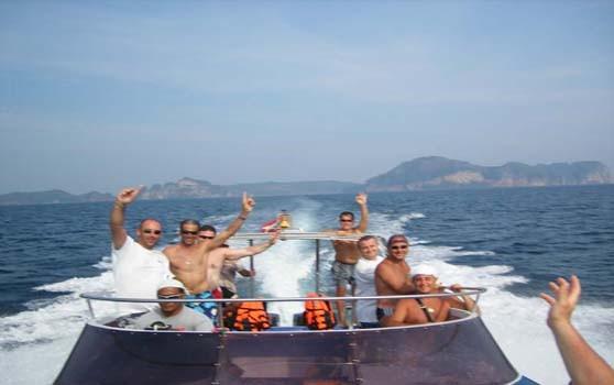 phi-phi-islands-by-speedboat 4