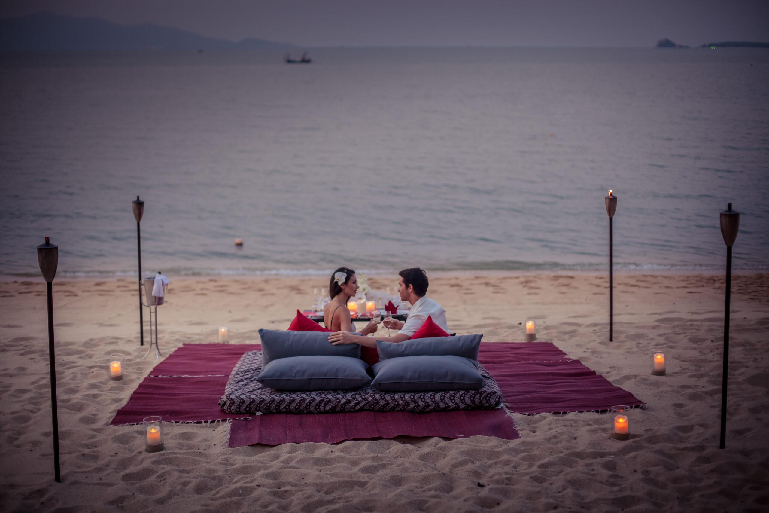 Dining on Beach 1